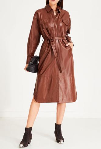 Фото №12 - Босс не будет против: как носить кожаные вещи в офис