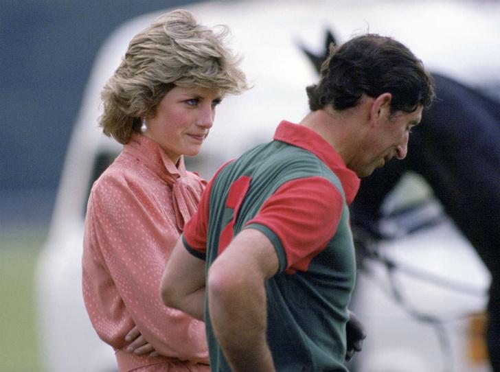 Фото №1 - Никакой романтики: первое впечатление Дианы от встречи с принцем Чарльзом