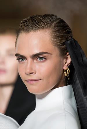 Фото №73 - Расставляем акценты: самые модные украшения для весны и лета 2019