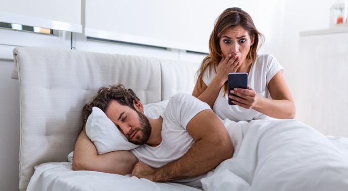 Девушка разоблачила измену парня по его разговорам во сне