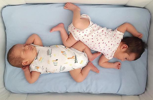Фото №4 - Почему он не падает? Беременная шокировала сеть размерами живота