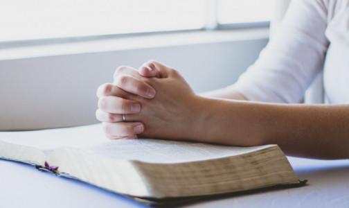 Фото №1 - Что говорят ногти о здоровье человека: 12 тревожных признаков назвала врач