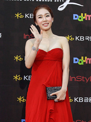 Фото №3 - Как выглядят азиатские звезды после пластики: фото до операции и сейчас