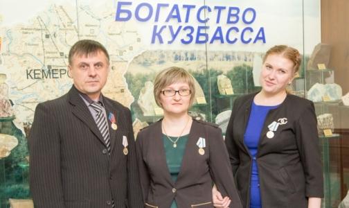 Фото №1 - За отпор пьяным на вызове бригаду «Скорой» наградили медалями