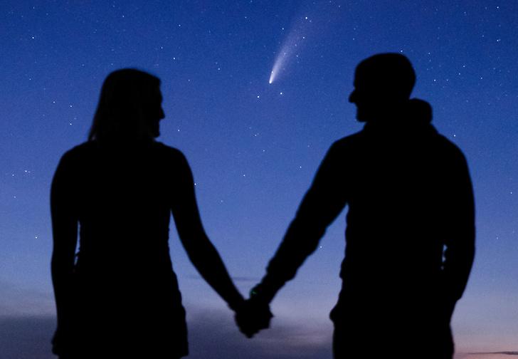 Фото №1 - Парень сделал возлюбленной предложение, которое можно повторить лишь раз в 6800 лет (фото)
