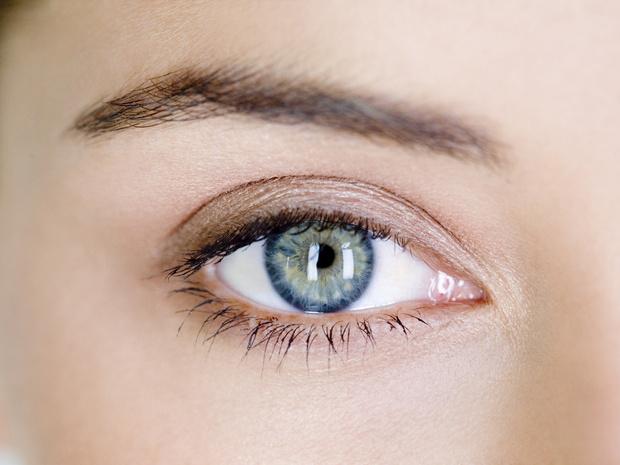 Фото №3 - С широко раскрытыми глазами: 5 заблуждений о блефаропластике