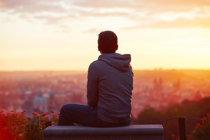 Фото №1 - Влияние одиночества на организм сравнили с негативным эффектом от курения