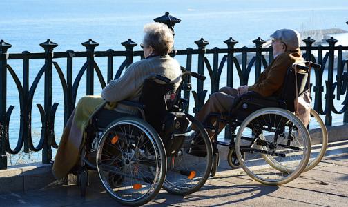 Фото №1 - В Минздраве ответили на слухи об отказе пожилым в высокотехнологичной медпомощи