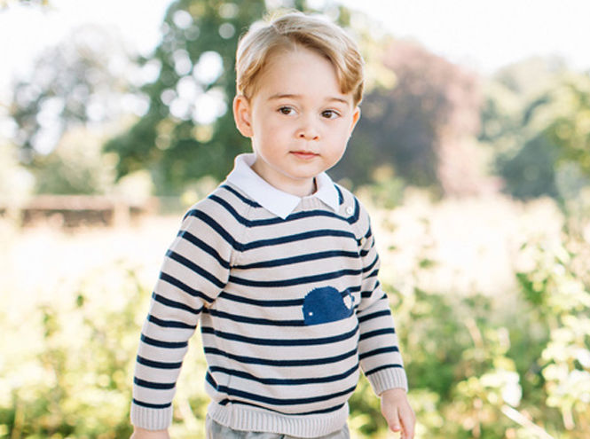 Фото №1 - Принц Джордж продемонстрировал публике свои изысканные манеры