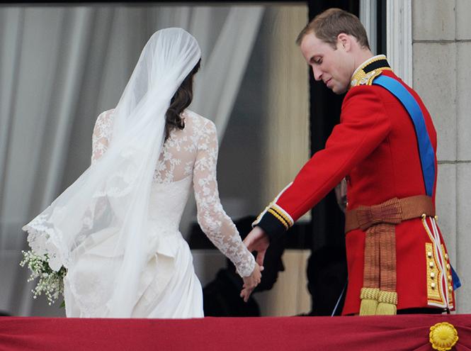 Фото №42 - Самые трогательные моменты королевских свадеб (о Гарри и Меган мы тоже не забыли)