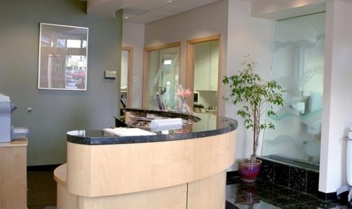 Фото №1 - Стоматологическая клиника выплатила петербурженке 700 тысяч рублей после ареста счета