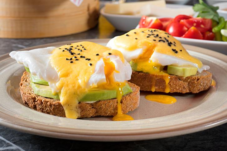 Фото №1 - 4 изысканных блюда для завтрака из двух яиц