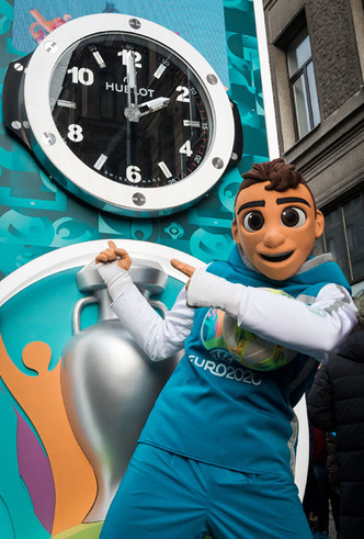 Фото №4 - Дни, часы, минуты: бренд Hublot начал отсчет до Евро-2020