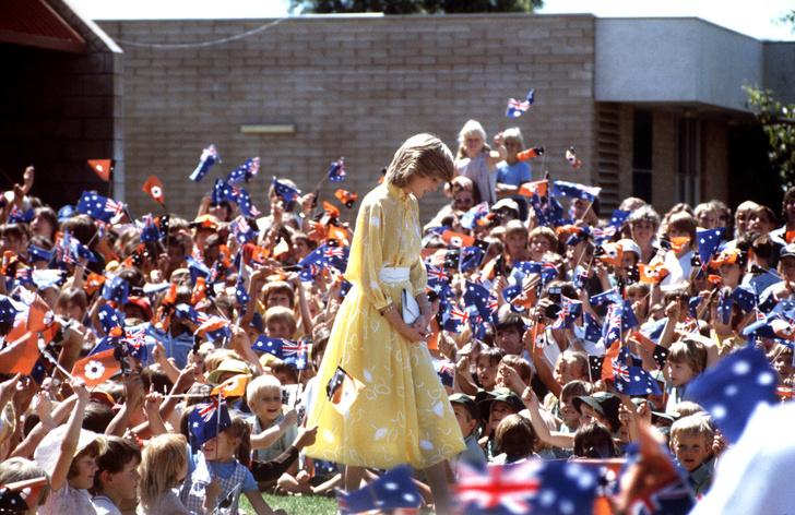 Фото №8 - Как принцесса Диана вершила модную революцию, пока сестры Дженнер ходили пешком под стол