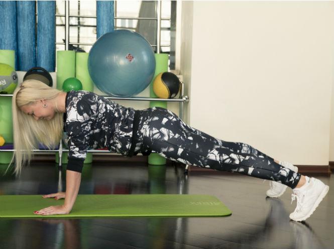 Фото №3 - 10 минутный комплекс упражнений для тех, у кого нет времени на спорт