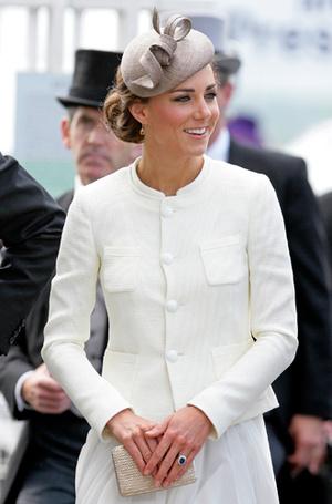 Фото №39 - Королевский дресс-код: любимые сумки герцогини Кембриджской