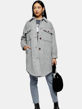 Фото №7 - Блейзеры, тренчи, пуховики: какая верхняя одежда в тренде этой осенью