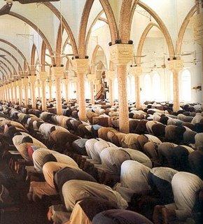 Фото №1 - Англия станет мусульманской страной