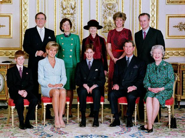 Фото №3 - Не только Меган: кого еще принц Чарльз вел к алтарю (и почему)