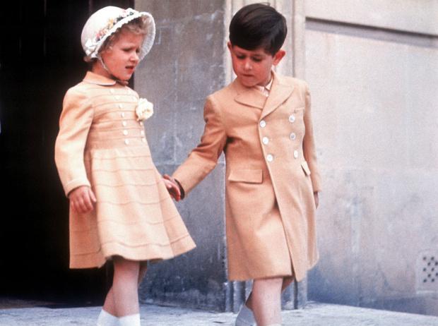 Фото №4 - Сокровища Чарльза: о чем говорят личные фотографии в кабинете принца (и кто на них изображен)