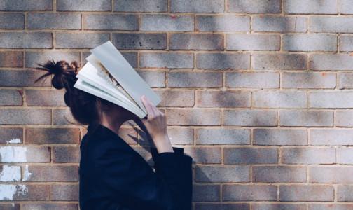 Фото №1 - Болит голова и все раздражает: 8 рабочих способов справиться с ПМС