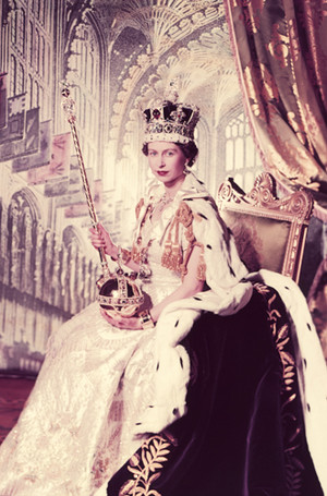 Фото №2 - 94-летняя Королева Елизавета II и ее рекорды