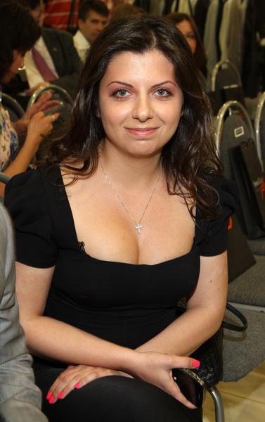 Фото №1 - Маргарита Симоньян подробно рассказала, как в 40 лет похудела после третьих родов на 19 кг