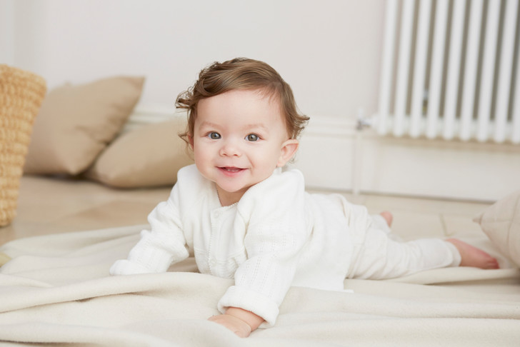 Выкладывание на живот новорожденного как правильно
