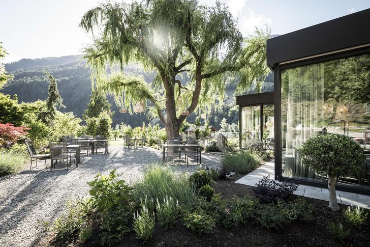 Фото №3 - Отель в горах по проекту студии Noa