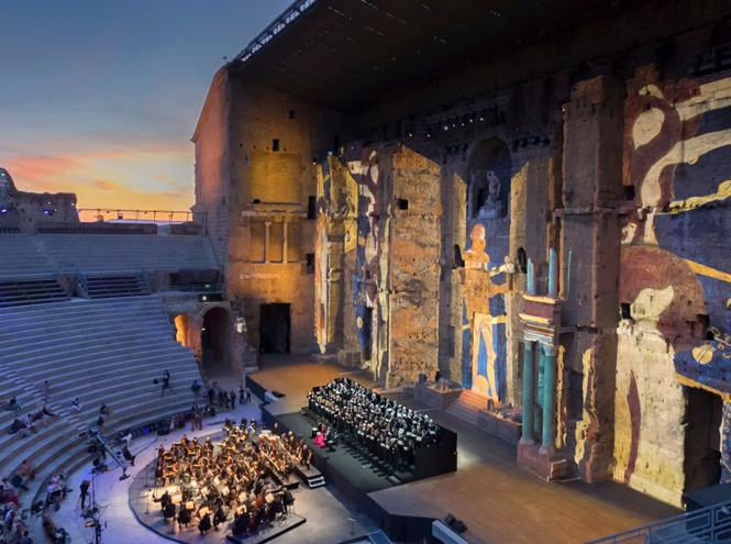 Фото №5 - Оперный сезон в Европе: какие музыкальные фестивали посещают аристократы и политики