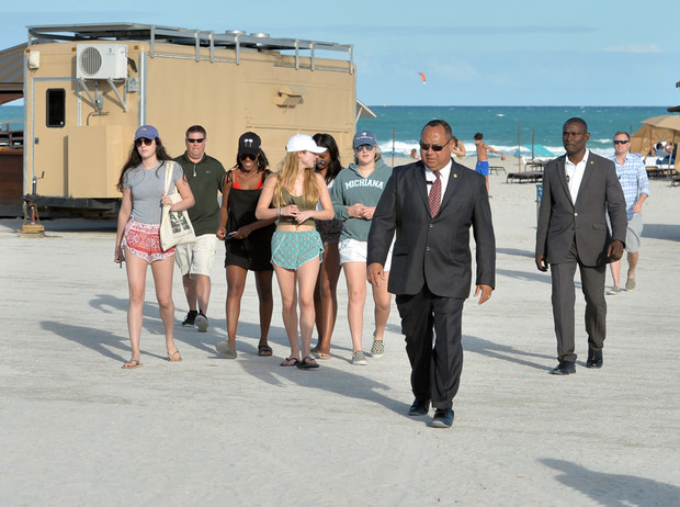 Фото №6 - Детки из золотой клетки: что стало с Малией и Сашей Обама