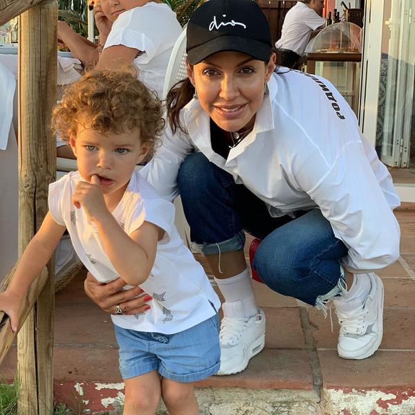 Алиса Казьмина с дочерью
