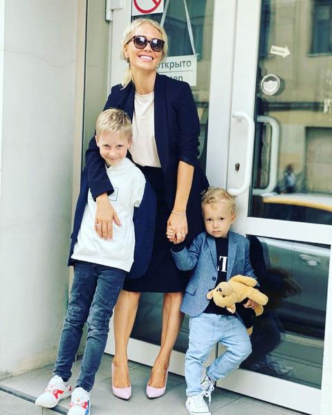 Катя Гордон с сыновьями