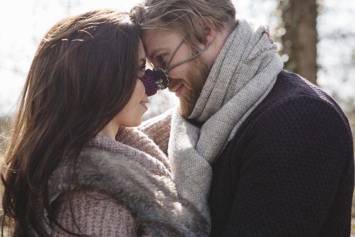 Фото №1 - Тем, кто вечно мерзнет: британская компания продает варежки для носа