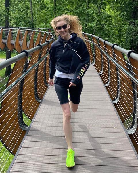 Фото №4 - Ходченкова похвасталась очень худыми ногами