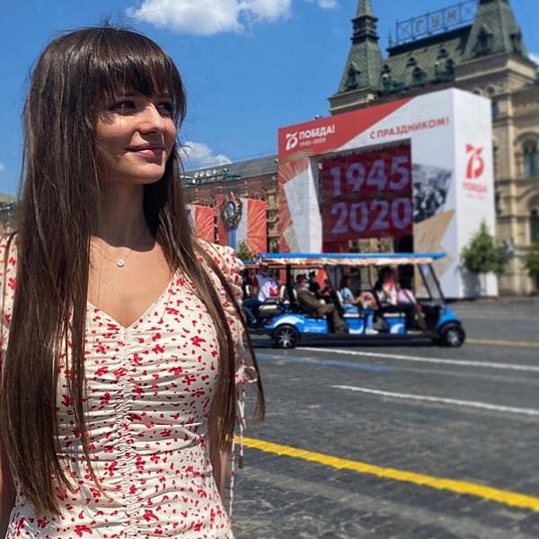 Фото №1 - «Няша-обороняша»: как выглядит красавица пресс-секретарь министра обороны России