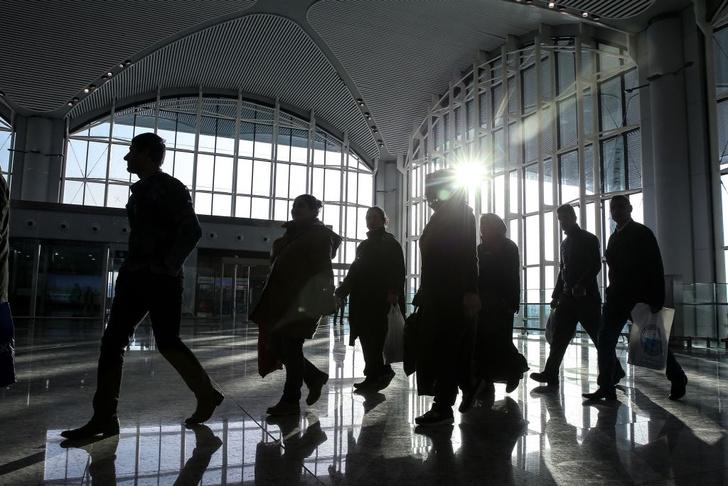 Фото №1 - Европейских туристов начнут проверять на детекторе лжи