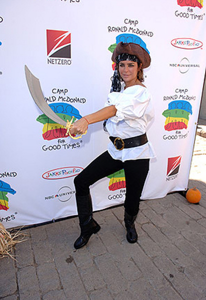 Пиратка Лиза Ринна (Lisa Rinna)