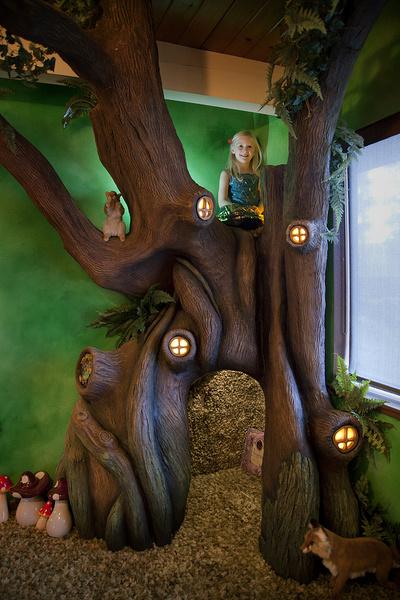 Фото №1 - Отец превратил комнату дочки в домик фей: 15 крутых фото