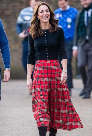 Фото №4 - Вечная классика: как королевские особы носят плиссированные юбки