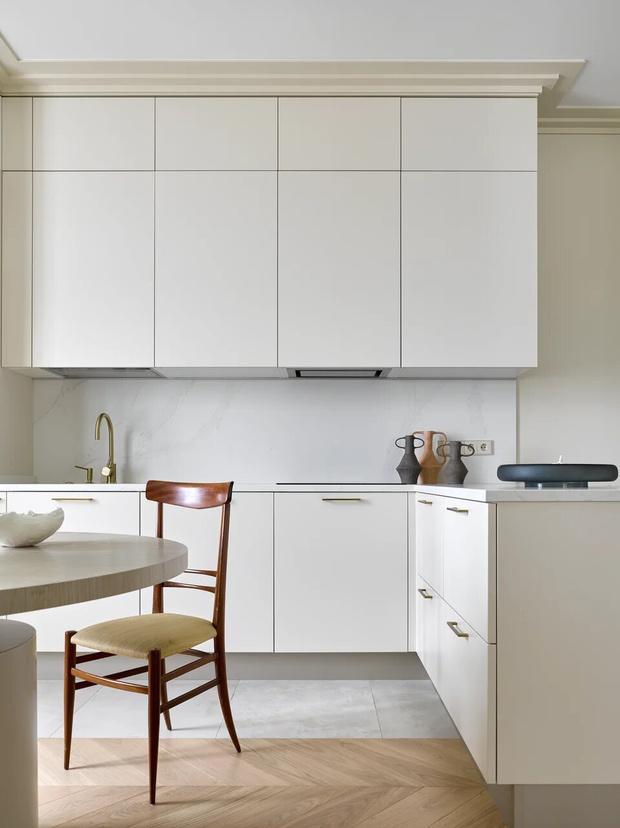 Фото №3 - Элегантный монохромный интерьер квартиры 85 м²