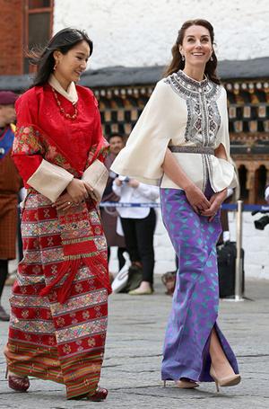 Фото №11 - Король-дракон Бутана: любовь стоит того, чтобы ждать