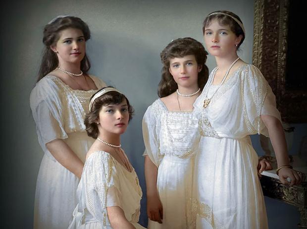 Фото №1 - Три истории несчастной любви: почему Николай II не пустил дочерей замуж
