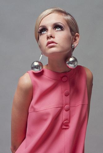 Фото №2 - Серьги с претензией: что такое statement earrings и почему они вам нужны