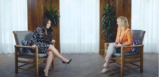 Фото №1 - «Даже на коленках у него могу посидеть»: Ирина Дубцова гордится близкими отношениями с бывшим мужем