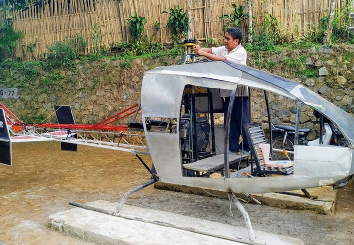 Фото №1 - Мужику из Индонезии так надоели пробки, что он с нуля построил себе вертолет (видео)