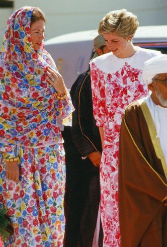 Фото №5 - Неслучайное платье: герцогиня Кейт и ее новый наряд «с секретом»