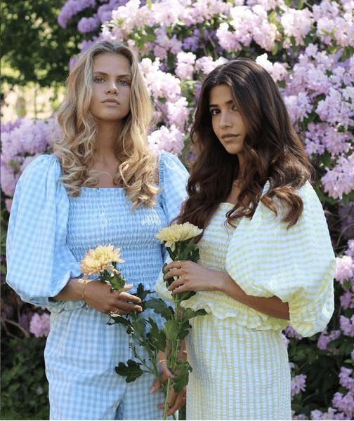 Фото №2 - 10 самых стильных вещей этого лета с модным принтом «гингем»