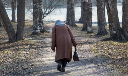 Фото №1 - Россияне назвали главные признаки наступления старости
