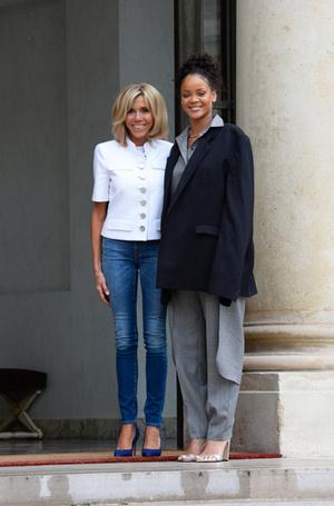 Фото №7 - Первый стилист Франции: кто одевает Брижит Макрон